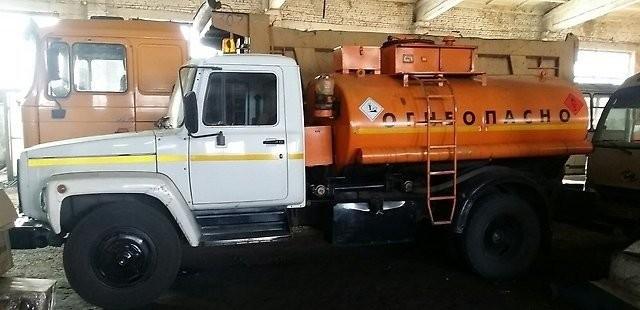 Доставка топлива цистерной бензовозом топливозаправщика - Кемерово