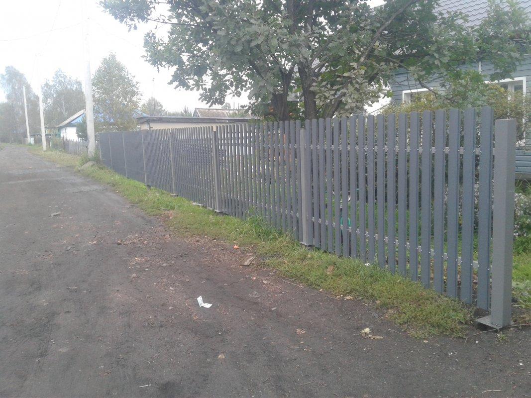 Забор из евроштакетника на винтовых сваях - Прокопьевск, цены, предложения специалистов
